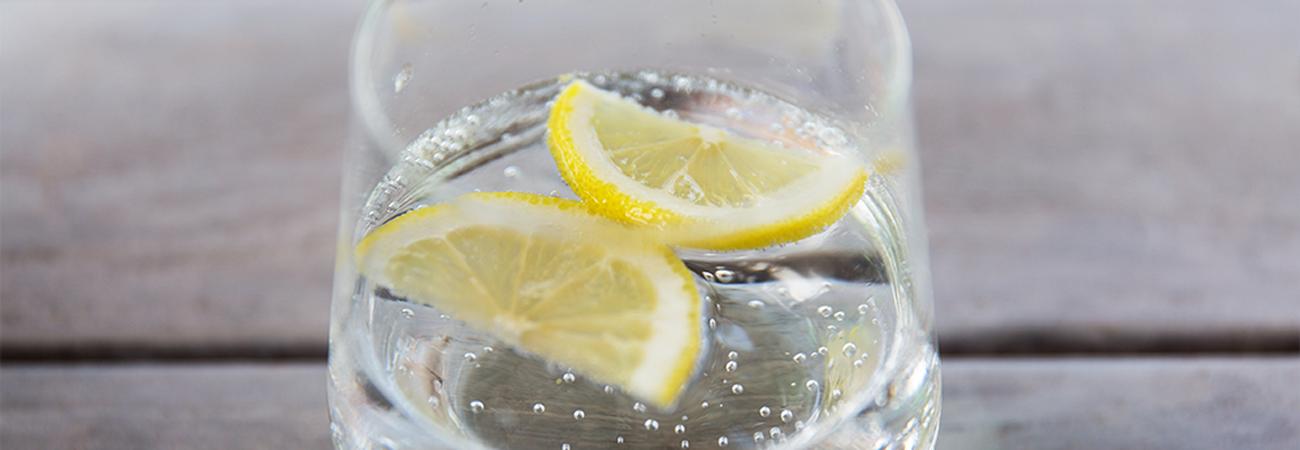 מים מוגזים VS סודה: לא אותו המשקה!