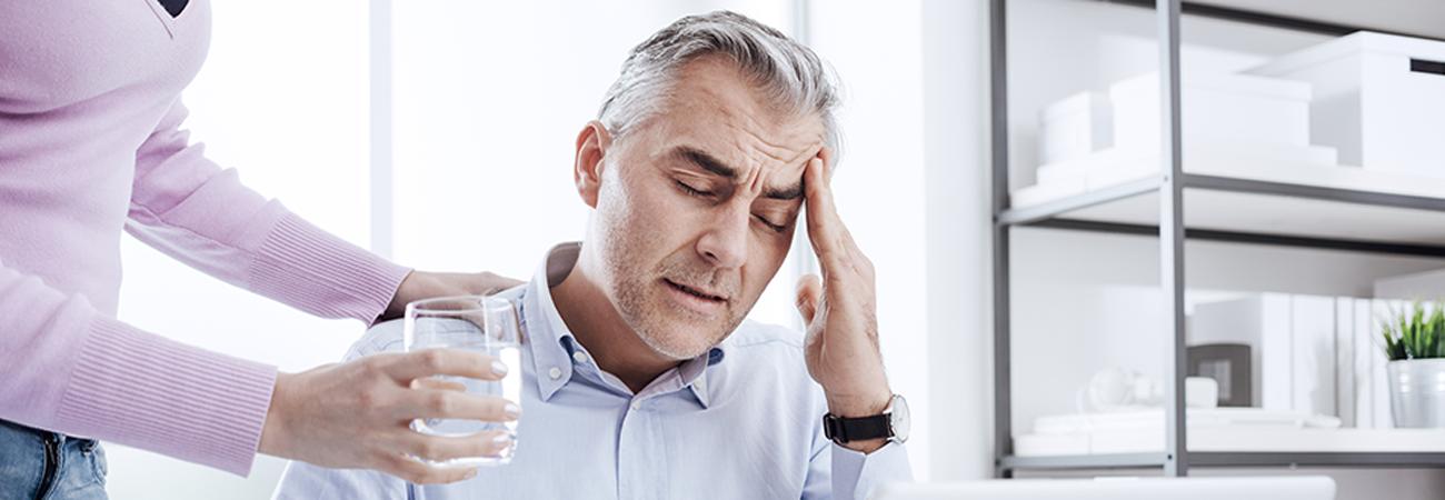זה מדעי: שתיית מים משפרת את היעילות שלכם בעבודה