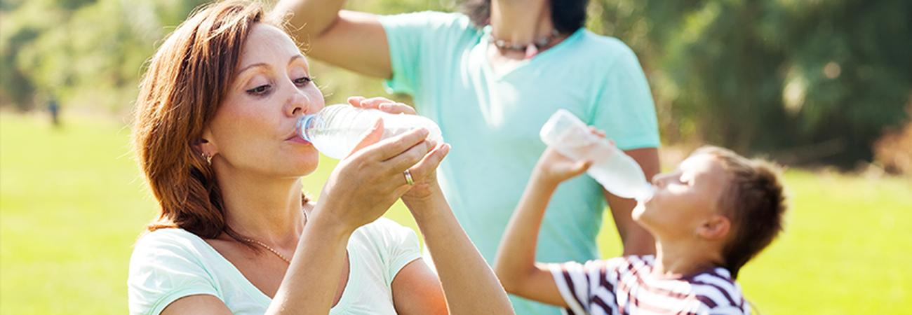 5 טריקים שיגרמו לילדים שלכם לשתות מים בחורף